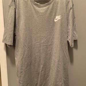 2 Nike shirts